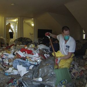 hoarders-cleanup-3
